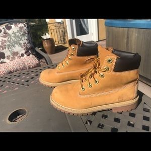 Timberland 6 inch premium women boots size 7
